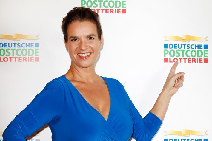 katarina-witt-ist-botschafterin-der-deutschen-postcode-lotterie-eiskunstlauflegende-repraesentiert-n
